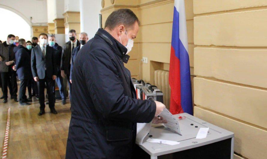 Полпред президента Игорь Комаров: «У всех избирателей есть возможность проголосовать за свое будущее»