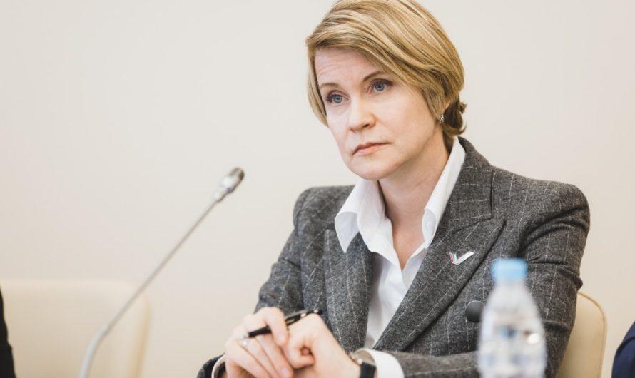 Елена Шмелева предложила пересмотреть федеральные государственные образовательные стандарты